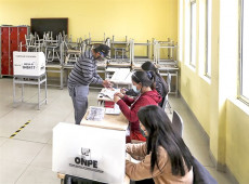 Eleições no Peru: Com mais de 95% das urnas apuradas, Castillo ultrapassa Fujimori na disputa que promete ser voto a voto