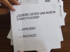 """""""Você quer uma nova constituição?"""" Chile entra na reta final para superar lei da era Pinochet"""