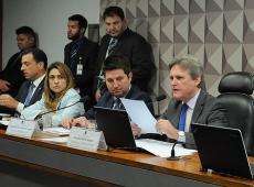 """Aprovada em comissão sem alarde, MP de Bolsonaro promove """"nova reforma trabalhista"""""""