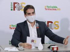"""Eduardo Leite sobe o tom contra Bolsonaro: """"está matando"""" a população na pandemia"""
