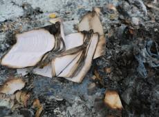 """Ditadura teve até """"comissão"""" para incinerar livros, filmes, revistas e discos"""