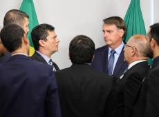 """Colunista do New York Times chama embate entre Moro e Bolsonaro de """"cruzada hipócrita"""""""