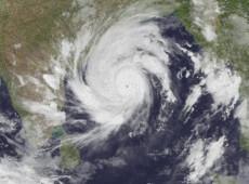 Ciclone mata 84 e deixa milhares desalojados na Índia e em Bangladesh