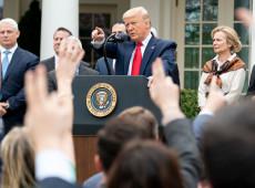 Trump insiste em mentiras enquanto cresce número dos necrotérios de emergência no país