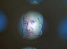 """""""Antes que seja tarde demais"""": 117 médicos de 18 países exigem fim de prisão de Assange"""