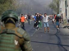 Contra a fome na quarentena, centenas enfrentam polícia e protestam no Chile