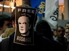 Justiça britânica rejeita liberdade sob fiança a Julian Assange