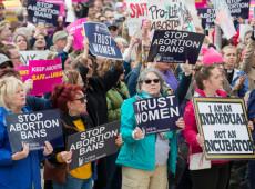 Estados Unidos: Texas oferece US$ 10 mil para quem denunciar casos de aborto
