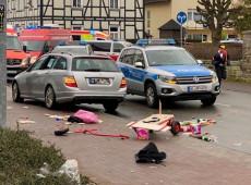 Carro avança contra pessoas em desfile de Carnaval na Alemanha