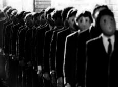 Medios: Las diez estrategias de manipulación masiva descritas por Sylvain Timsit