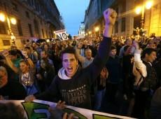 Espanha aprova lei que impede manifestações, impõe censura e fecha cerco contra imigrantes
