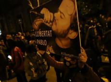 Manifestações contra prisão de Pablo Hásel acumulam saldo de 150 detidos na Espanha