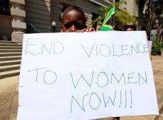 Feminicídios e violência contra mulheres ainda são problemas graves na África do Sul