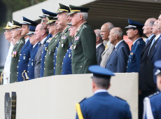 Dez sinais de que Bolsonaro e sua camarilha se preparam para uma ditadura no Brasil