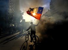 Quatro meses após protestos que abalaram projeto neoliberal, Chile prepara nova batalha