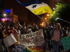 """Famílias resistem à """"estratégia de desgaste"""" orquestrada por mineradoras na América Latina"""