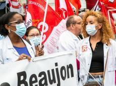 Covid-19: Macron anuncia vacinação obrigatória para profissionais de saúde na França