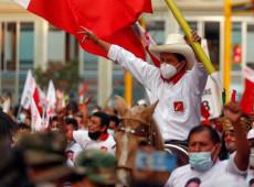 Após pressão da extrema-direita, militares declaram guerra contra partido de Pedro Castillo no Peru