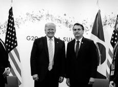 """OCDE: Guedes e Bolsonaro buscam selo que consolidará ao país """"complexo de vira-lata"""""""