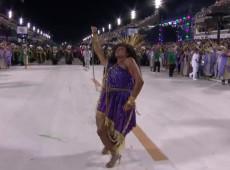 É Carnaval e a madrinha da bateria da Mangueira não sambou...