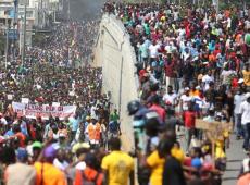 Ecuador y Perú experimentan un período de agitación social y política contra el neoliberalismo