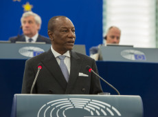 Golpistas da Guiné dizem ter capturado presidente Alpha Condé, mas governo nega