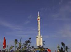 China manda primeiros astronautas para nova estação espacial