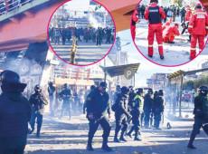 """Bolívia: moradores de El Alto condenam """"Áñez assassina"""" e polícia despeja bombas"""