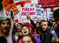 Protesta social tumba al gabinete de Piñera, pero no hay anuncio de nuevos ministros