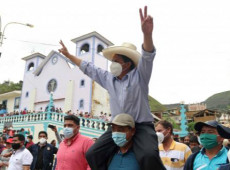 Aposta da classe baixa, Pedro Castillo venceu em 50 dos 46 distritos mais pobres do Peru
