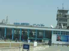 Afeganistão: Talibã adia anúncio de novo governo e aeroporto de Cabul é reaberto