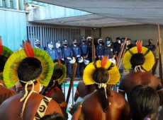 Povos indígenas de todo Brasil se manifestam contra PL que abre terras indígenas para exploração econômica