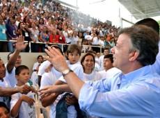 """""""Encontro com Capriles revela ambiguidade do governo Santos"""", diz deputado colombiano"""