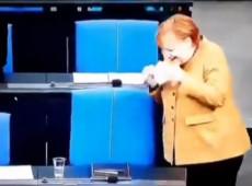 Cada país tem o líder que merece? Merkel esquece a máscara e gera polêmica nas redes