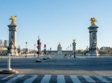 A pandemia de coronavírus em fotos: sob quarentena, ruas de Paris amanhecem vazias  - 25.mar.2020