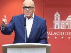Ministro da Venezuela acusa Brasil de envolvimento em ataque contra unidade militar