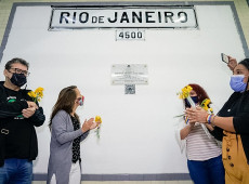 Placa em homenagem a Marielle Franco é inagurada em Buenos Aires, na estação Rio de Janeiro