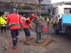 Nova Zelândia retira de praça pública estátua de militar britânico símbolo de opressão colonial