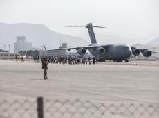 Cabul: Ataque de foguetes contra aeroporto acelera retirada de tropas dos EUA