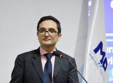 Destituição do promotor Juan Francisco Sandoval abre caminho para que Giammattei implante governo cooptado pelo narcotráfico