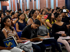 Um jovem em cada seis vai ficar desempregado por causa da pandemia, segundo OIT