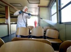 A pandemia de coronavírus em fotos: militares da Espanha limpam locais no país - 17.mar.2020