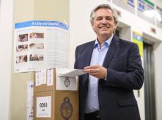 Argentina: Alberto Fernández tem vantagem sobre Macri em todo o país, diz imprensa