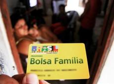 Proposta de campanha de Bolsonaro, 13° do Bolsa Família é atacado por seus aliados
