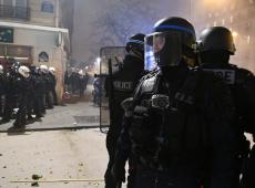França: governo acena com recuo em dia de protestos violentos contra reforma da aposentadoria
