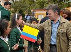 Economia e FARC derrubam popularidade do presidente da Colômbia