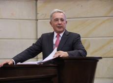 Um dia após ser condenado à prisão, Uribe diz ter testado positivo para covid-19