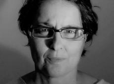 """""""Redes sociais se transformaram em prisões ideológicas"""" diz Laura Caprigioni"""