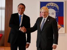 Boris Johnson elogia vacina contra covid-19 a Bolsonaro, que alega não ter se vacinado