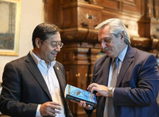 Candidato à presidência da Bolívia Luis Arce se reúne com Fernández na Argentina